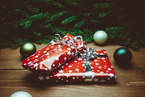present-932219_640
