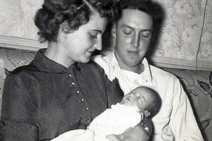 Kelsie grandparents with dad