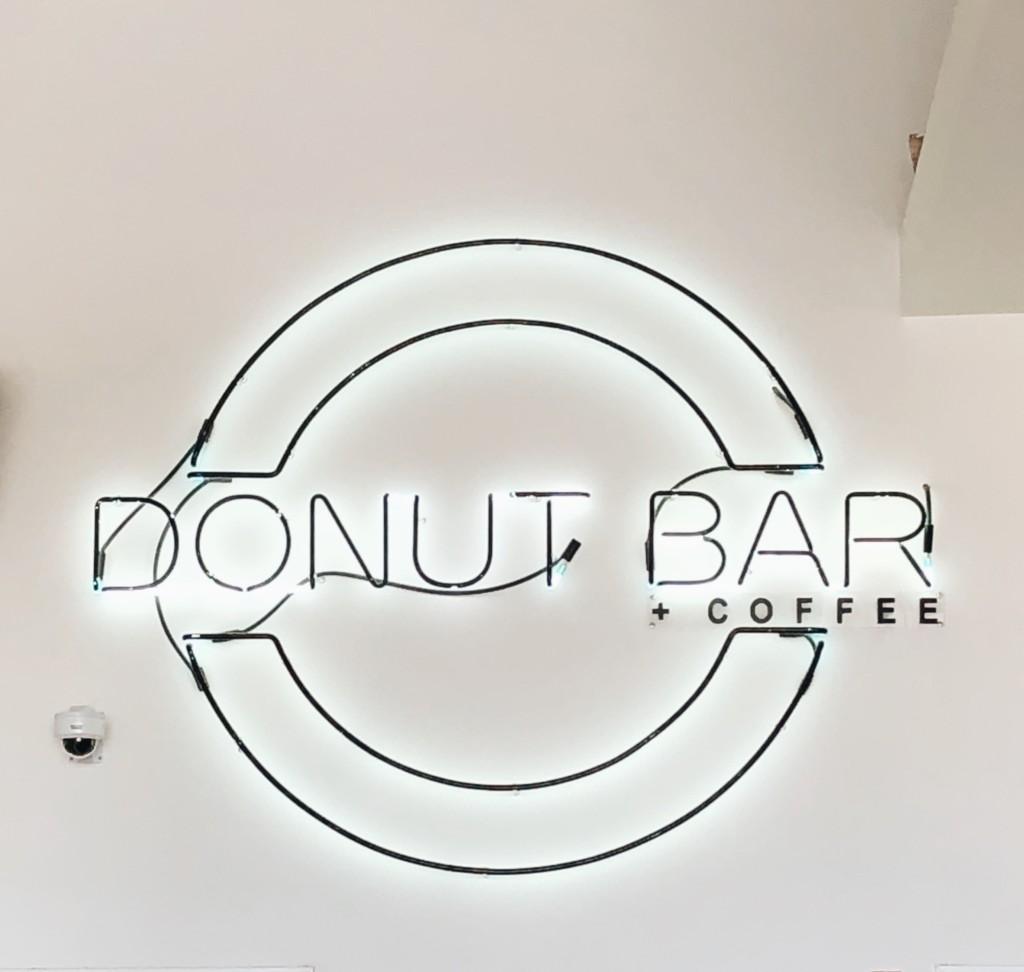 The best donut shops around detroit a bakers dozen plus one location 29039 southfield rd southfield mi 48076 solutioingenieria Gallery
